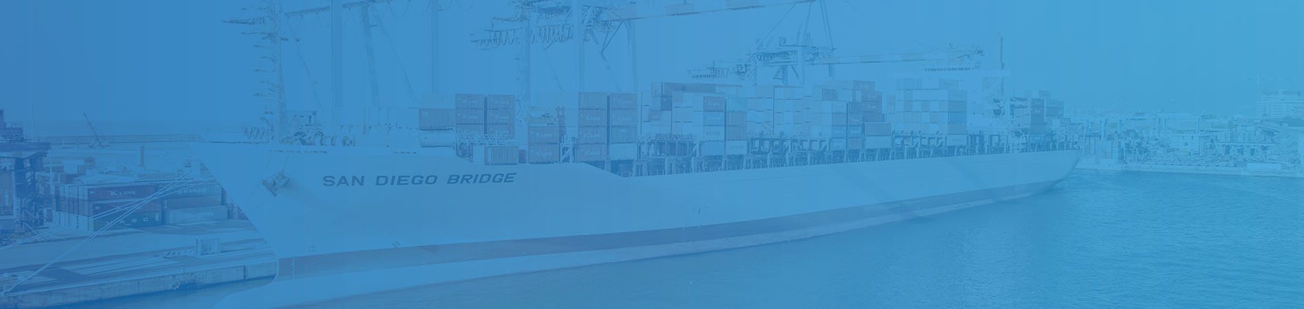 Shipping parcels and goods with sea freight   WBS